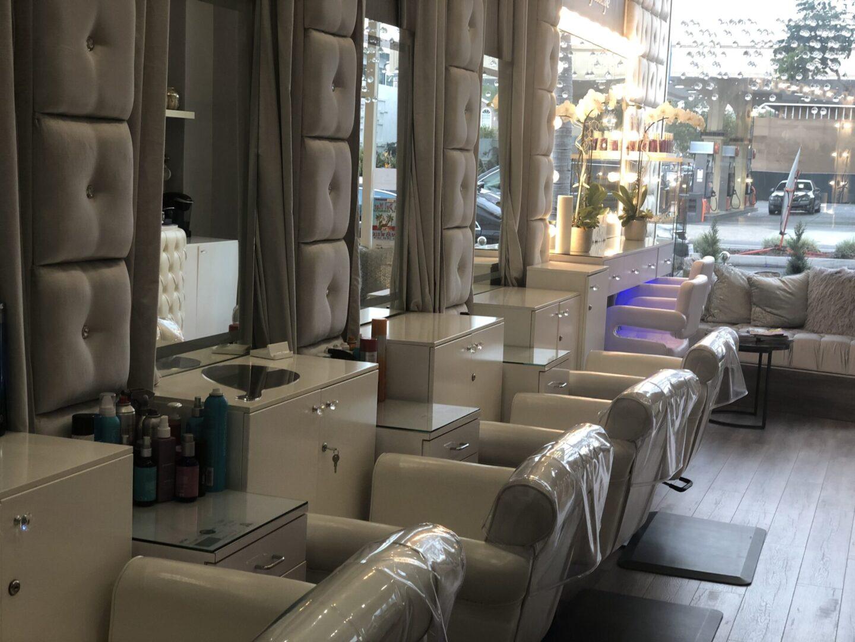 Social dry lounge